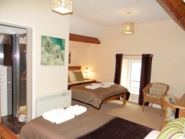 Anis Loiuse Guest House - Chesterfield